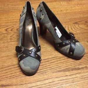 Mia Camo Studded Chunky Heels 8.5 Round Toe